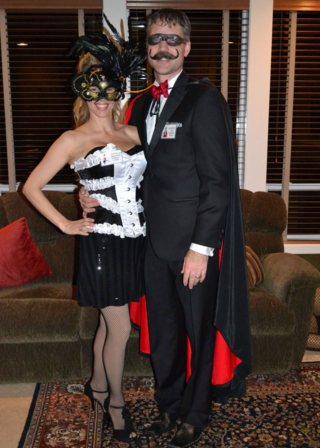 How to Host a Murder Mystery Party. #murdermysteryparty www.playingwithmurder.com